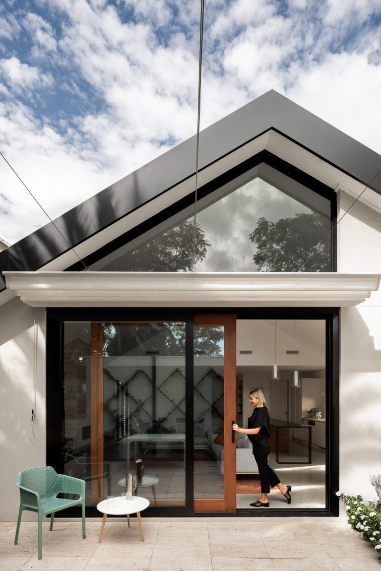 1-courtyard-house-Subiaco-architect-Robeson-Architects-Perth