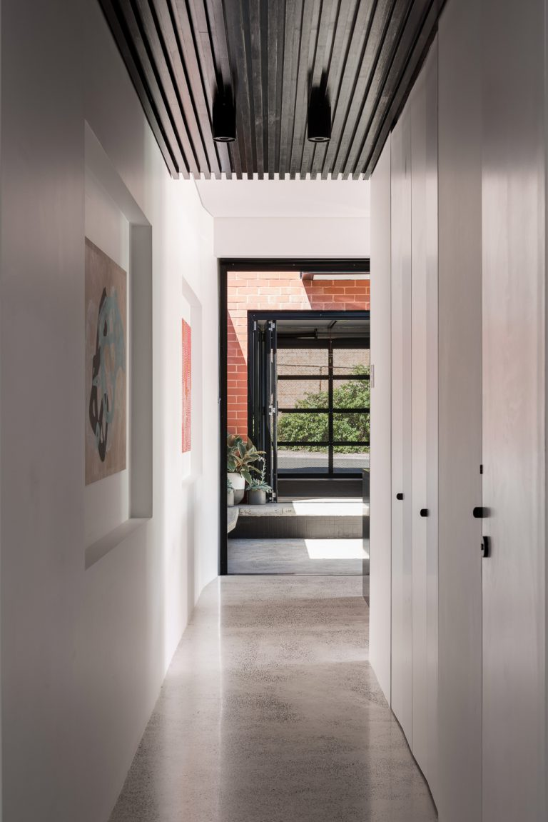 11-hallway-King-George-heritage-renovation-Fremantle-residential-achitecture-by-Robeson-Architects