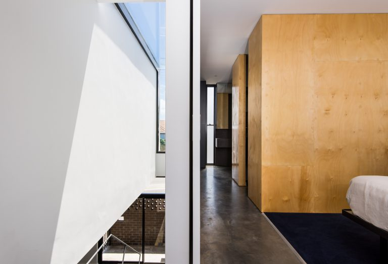 15-Triangle-House-hallway-lightwell-Mount-Lawley-architect-by-Robeson-Architects
