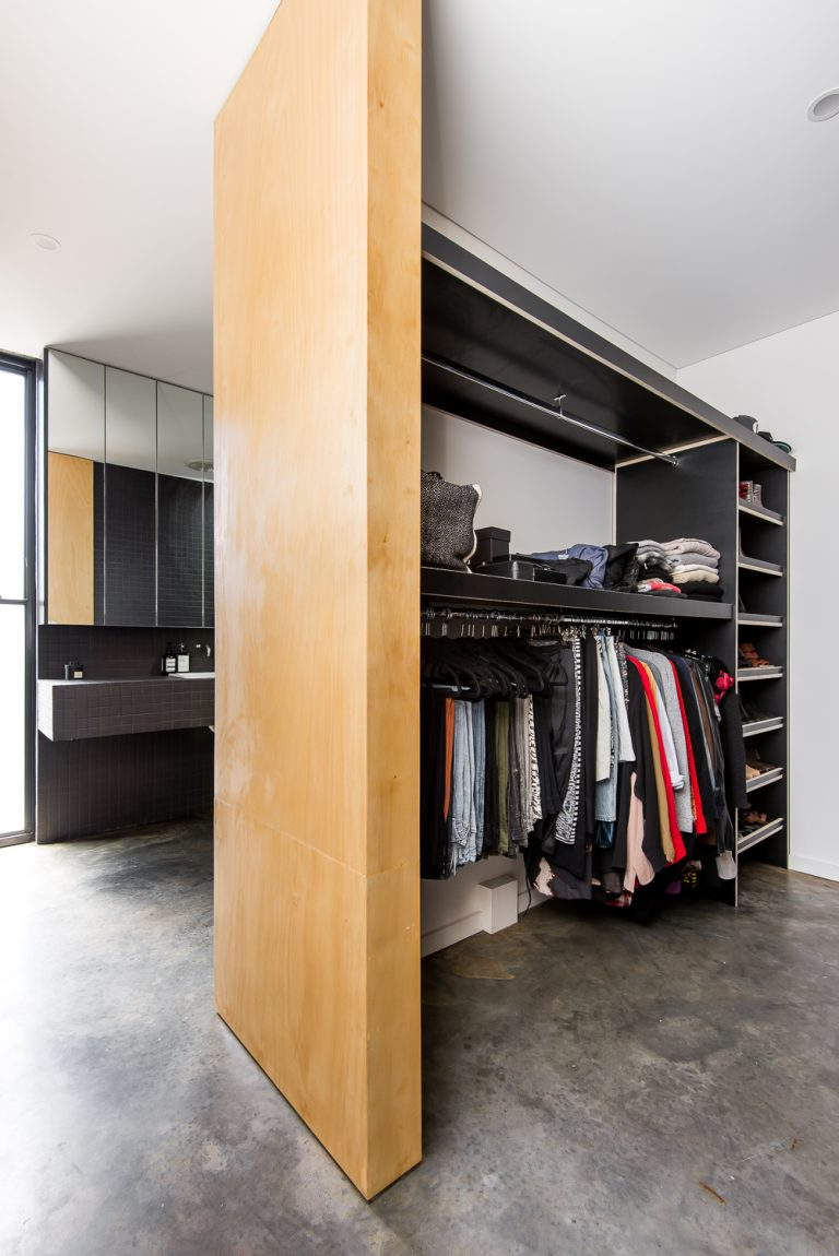 16-Triangle-House-wardrobes-Mount-Lawley-architect-by-Robeson-Architects