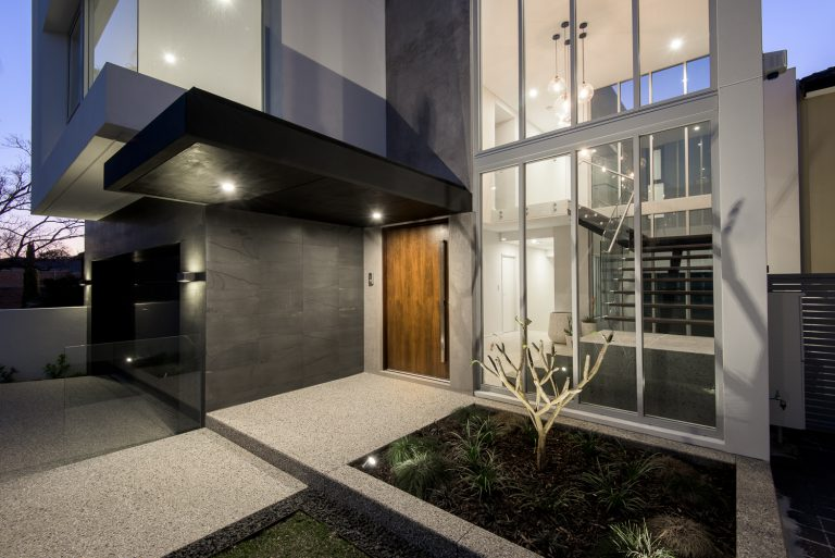 16-front-walkway-Ardross-architect-Robeson-Architects-Perth