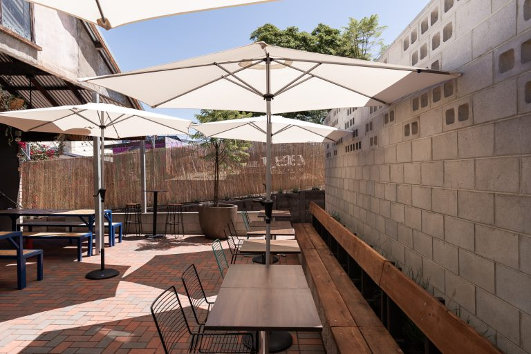 19-courtyard-umbrellas-King-Somm-Bayswater-Architect-designed-by-Robeson-Architects-Perth