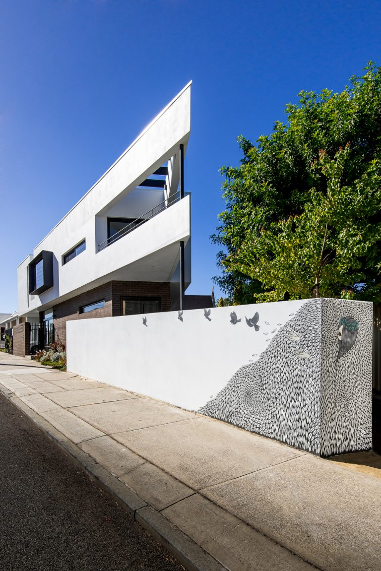 2-Triangle-House-exterior-profile-Mount-Lawley-architect-by-Robeson-Architects