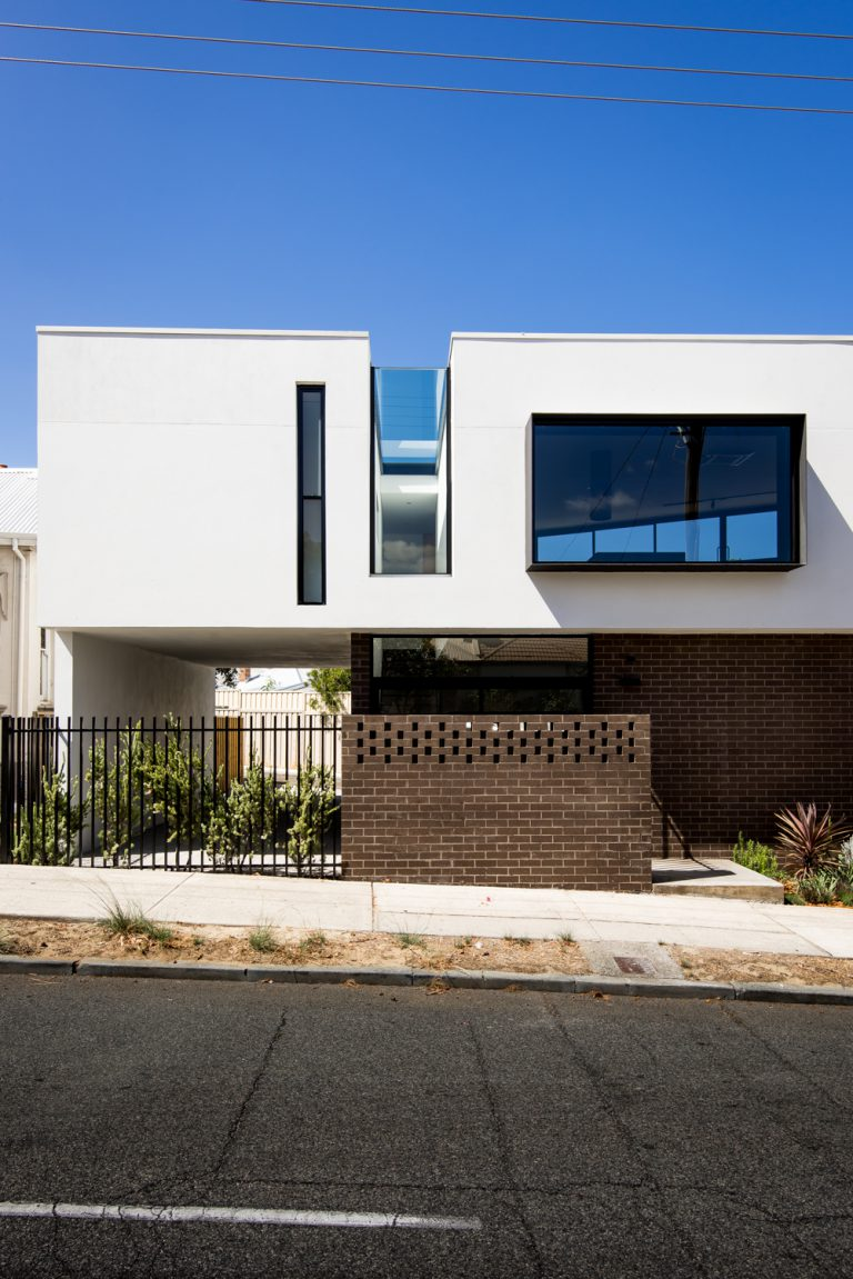 20-Triangle-House-from-street-Mount-Lawley-architect-by-Robeson-Architects