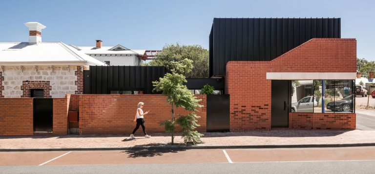 1-side-view-from-street-King-George-heritage-renovation-Fremantle-residential-achitecture-by-Robeson-Architects1