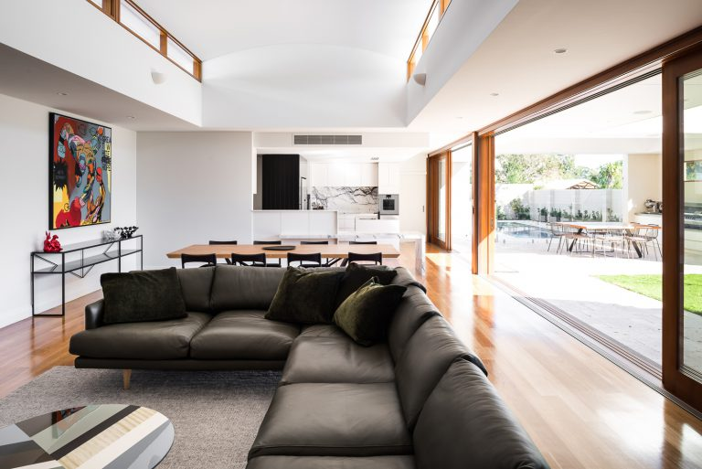 13-living-room-to-outside-Coolbinia-architect-Robeson-Architects-Perth