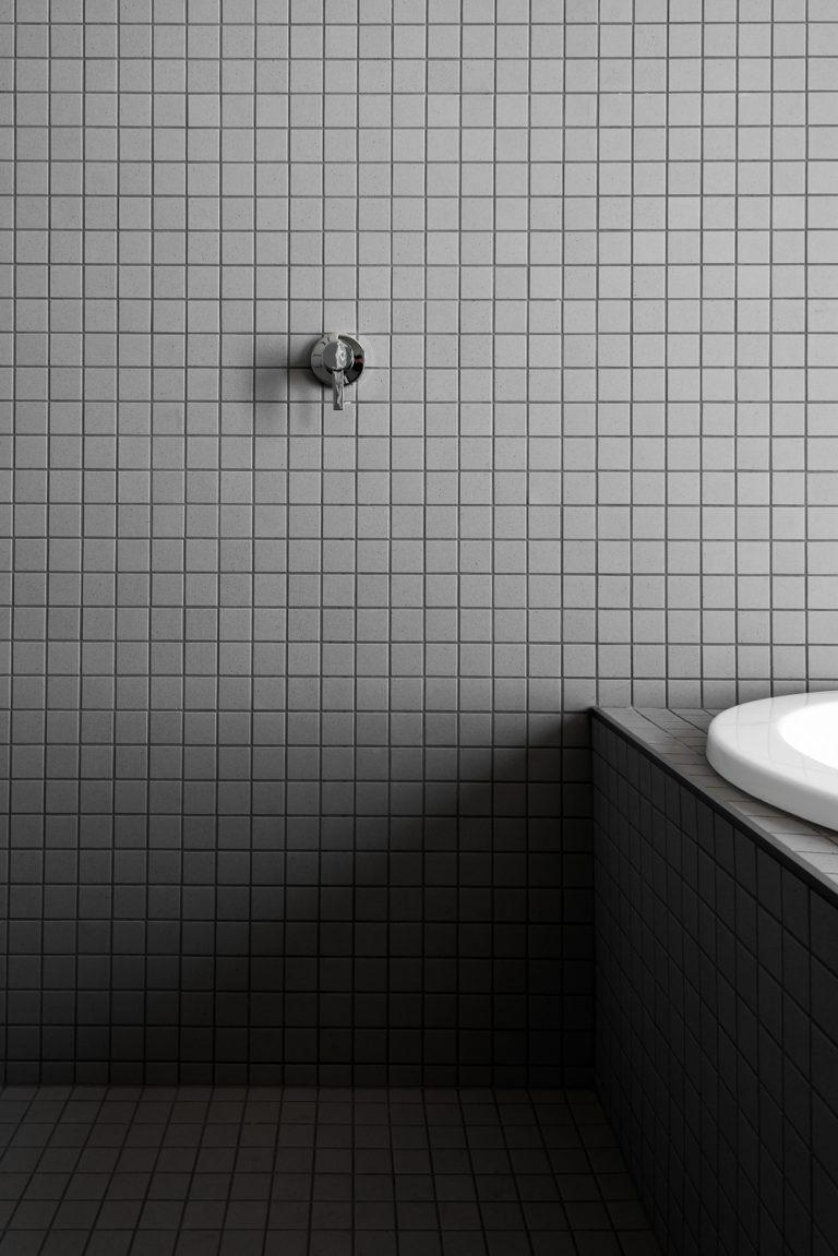 19-bathroom-Artedomus-tiles-grey-urban-house-western-suburbs-architect-Robeson-Architects-OPTION