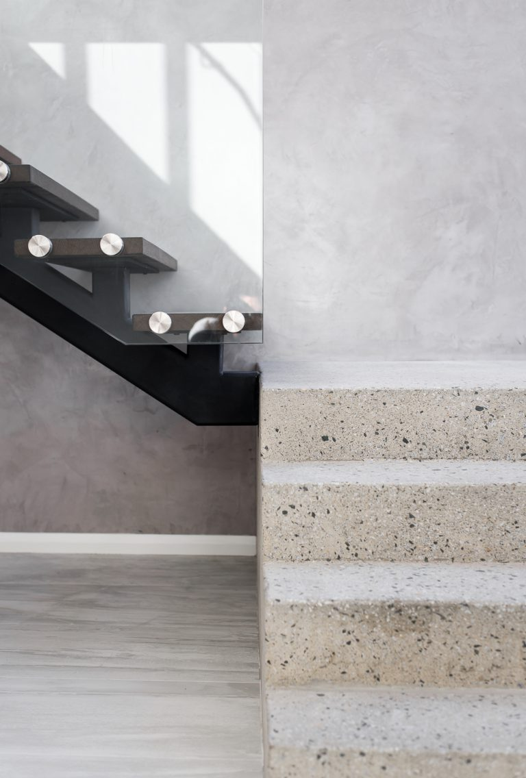 2-staircase-Ardross-architect-Robeson-Architects-Perth