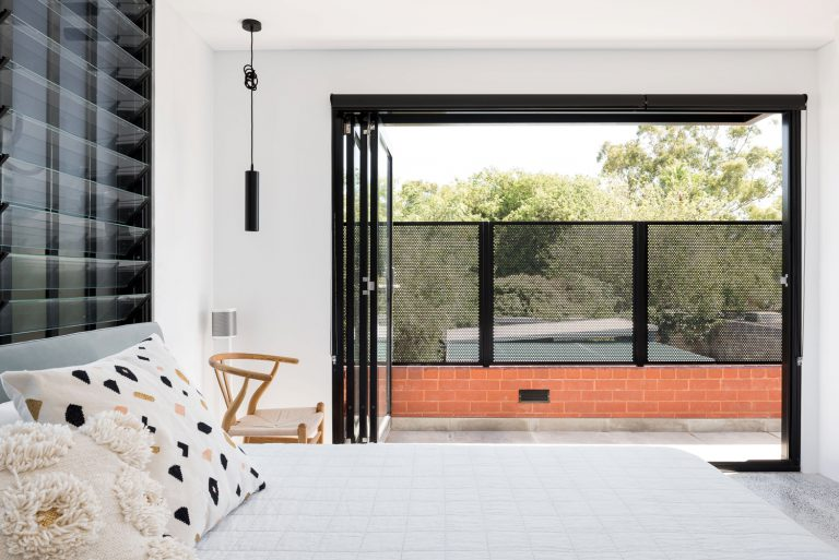 24-master-bedroom-balcony-King-George-heritage-renovation-Fremantle-residential-achitecture-by-Robeson-Architects