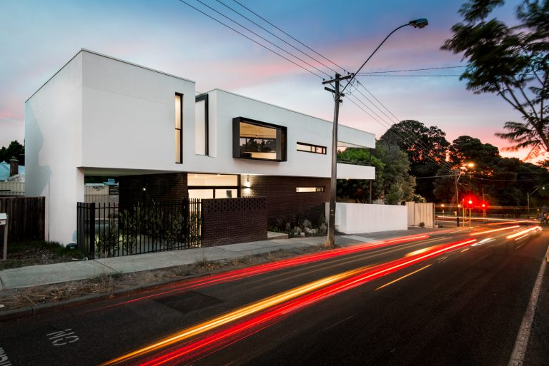 25-Triangle-House-exterior-timelapse-Mount-Lawley-architect-by-Robeson-Architects