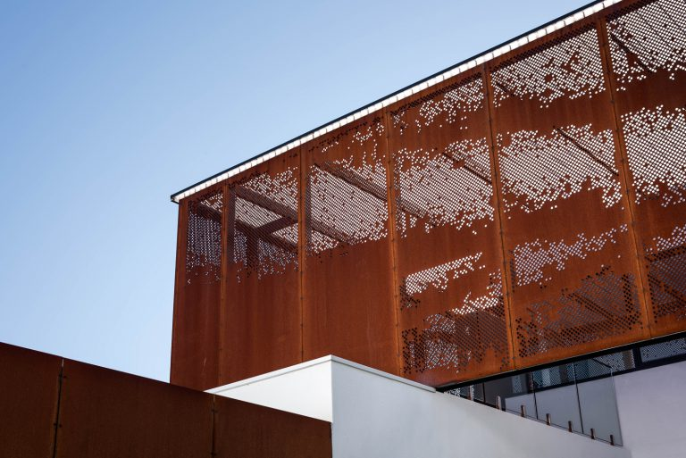 2_top-storey-custom-corten-steel-panels-designed-by-Cottesloe-Architect-Robeson-Architects.jpg