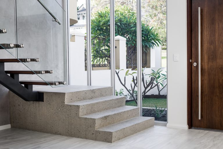 3-front-entrance-interior-Ardross-architect-Robeson-Architects-Perth