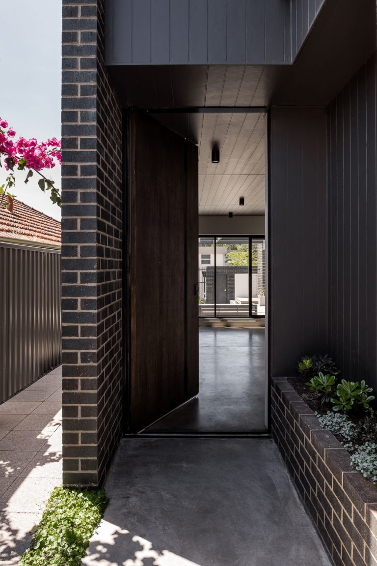 4-front-door-urban-house-western-suburbs-architect-Robeson-Architects