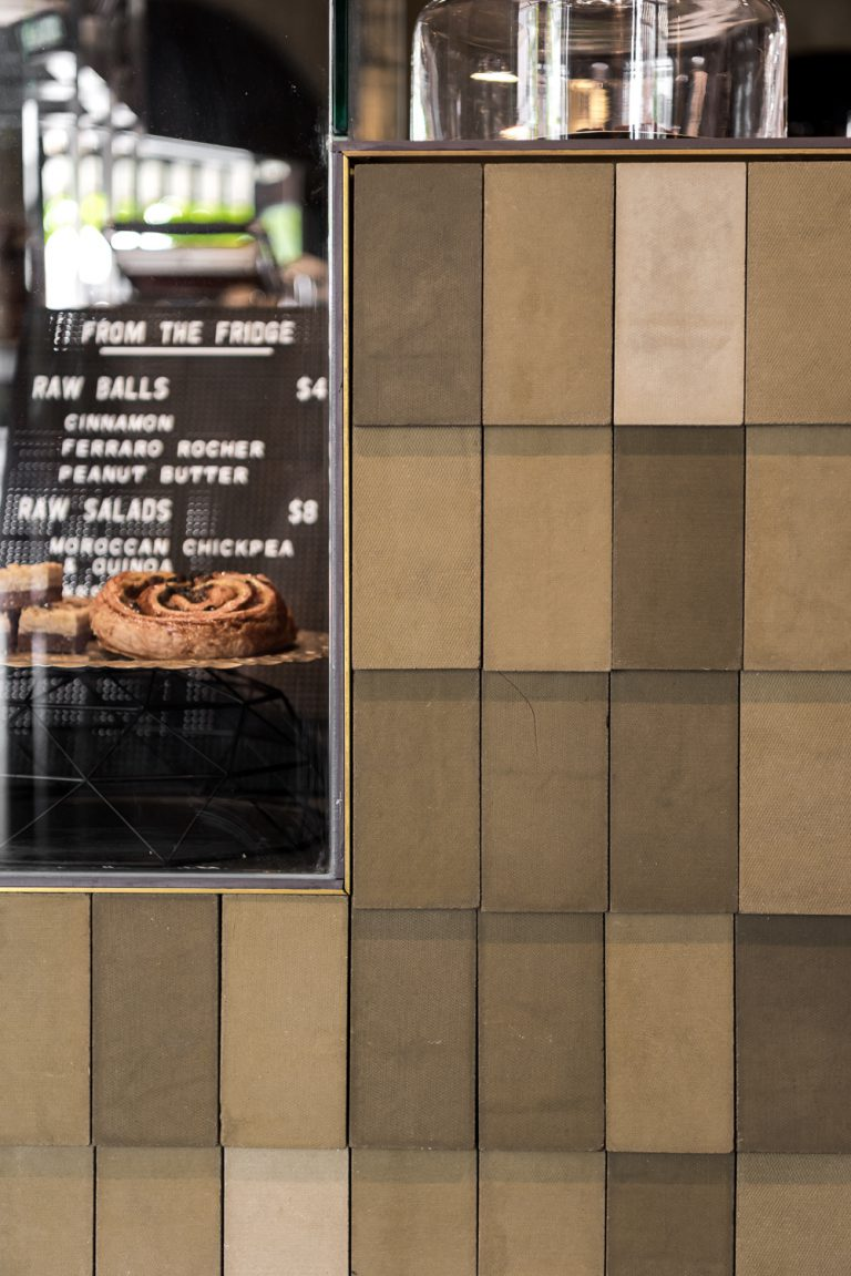 5_High-Noon-Saloon-front-counter-tiling-claremont-architect-robeson-architects