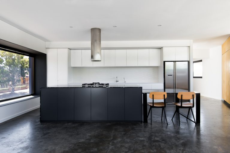6-Triangle-House-kitchen-Mount-Lawley-architect-by-Robeson-Architects