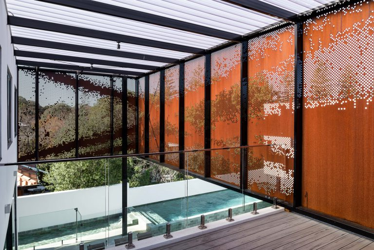 6_pool-designed-by-Cottesloe-Architect-Robeson-Architects.jpg