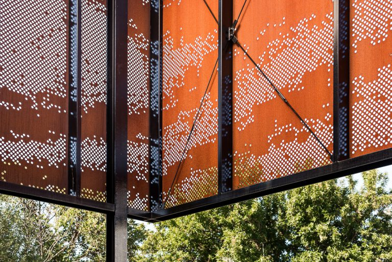 7_Interior-metal-panels-designed-by-Cottesloe-Architect-Robeson-Architects.jpg
