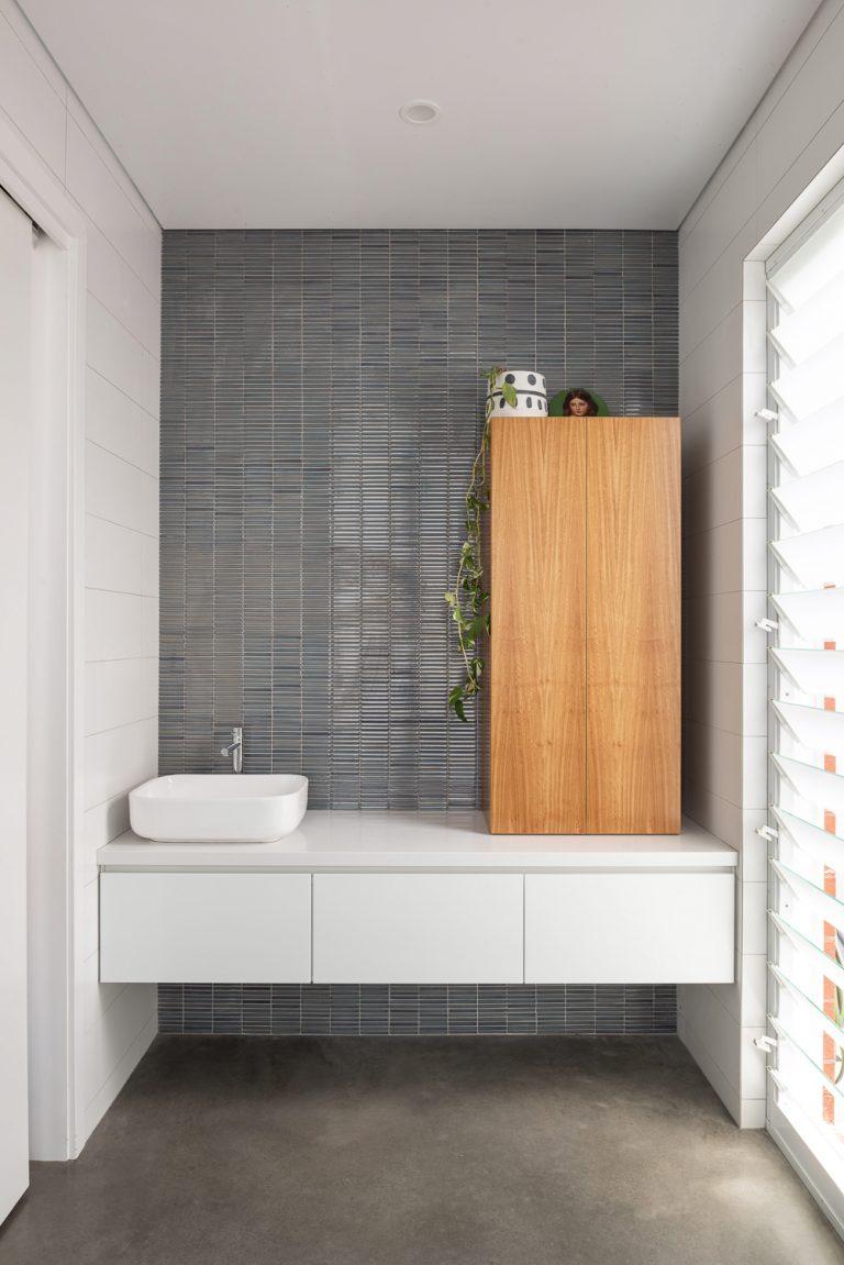 inglewood-bathroom